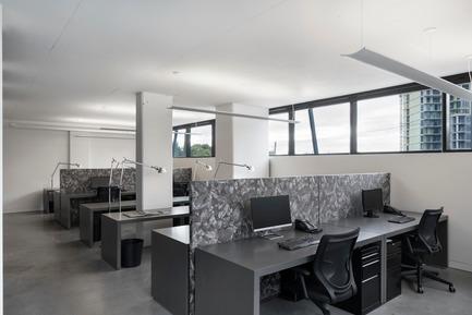 Press kit | 625-18 - Press release | Desjardins Bherer Office - Desjardins Bherer - Commercial Interior Design - Working stations - Photo credit: Adrien Williams