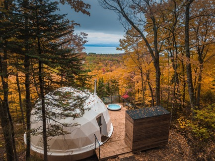 "Press kit | 1527-08 - Press release | Eco-Luxurious Accommodations ""Dômes Charlevoix"" - Bourgeois / Lechasseur architects - Landscape Architecture - Photo credit: Maxime Valsan"
