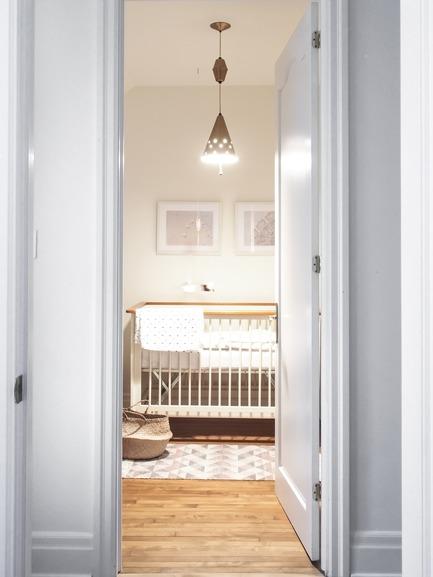 Dossier de presse | 2370-01 - Communiqué de presse | Hutchison Flat - Atelier SUWA - Residential Architecture - Bedroom - Crédit photo : Élène Levasseur