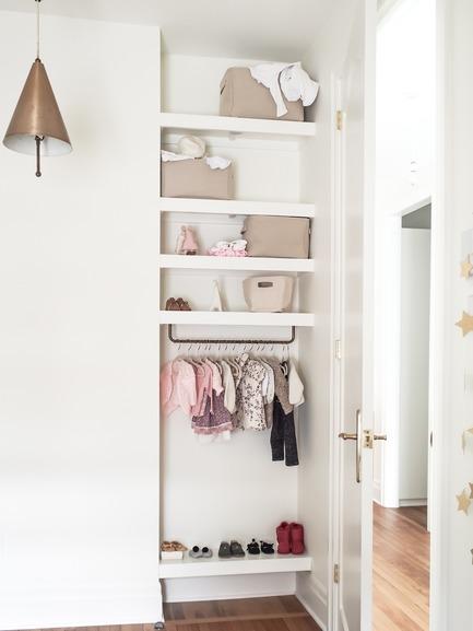 Dossier de presse | 2370-01 - Communiqué de presse | Hutchison Flat - Atelier SUWA - Residential Architecture - Children closet - Crédit photo : Élène Levasseur