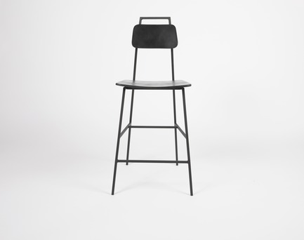 Press kit | 1075-05 - Press release | APPAREIL Atelier Unveils Its New Collection at souk @ sat - APPAREIL Atelier - Industrial Design - FLOE Haute / kitchen stool - Photo credit: Allstudio