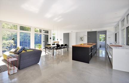 Press kit | 3463-01 - Press release | Le refuge et son rocher - ESPACE VITAL architecture - Architecture résidentielle - Photo credit: Stéphane Lemire<br>