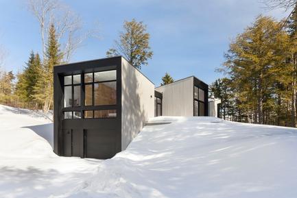 Press kit | 720-12 - Press release | TRIPTYQUE - yh2 - Architecture résidentielle - Photo credit: Maxime Brouillet