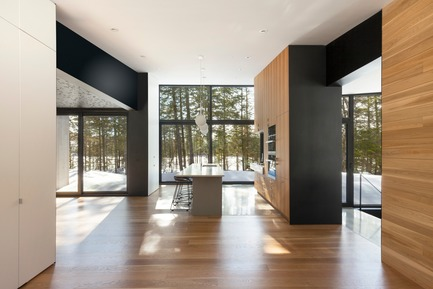 Press kit | 720-12 - Press release | TRIPTYCH - yh2 - Residential Architecture - Photo credit: Maxime Brouillet
