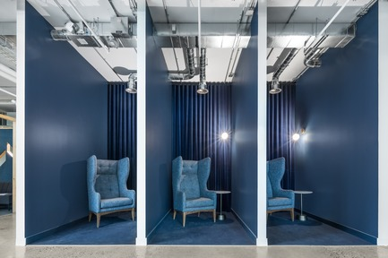 Dossier de presse | 1152-10 - Communiqué de presse | Micro-City for Creatives - By LumiGroup and Imperatori Design - Commercial Interior Design - Telephone booths, enclaves and confidential areas - Crédit photo : Stéphane Brügger