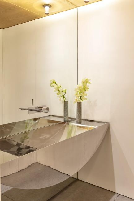 Dossier de presse | 3039-02 - Communiqué de presse | RBI Apartment - Coletivo Arquitetos - Design d'intérieur résidentiel -  Second Bathroom - Crédit photo : Ruy Teixeira