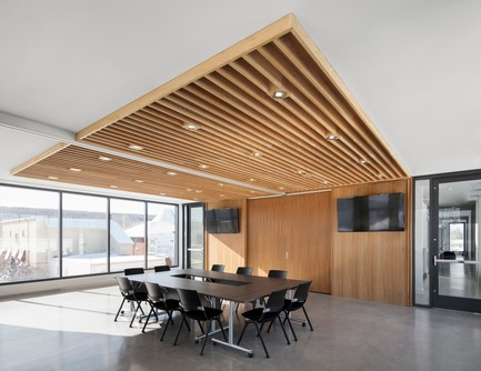 Press kit | 1172-07 - Press release | Rigaud City Hall - Affleck de la Riva architects - Institutional Architecture - Rigaud City Hall - Council Chamber - Photo credit: Adrien Williams