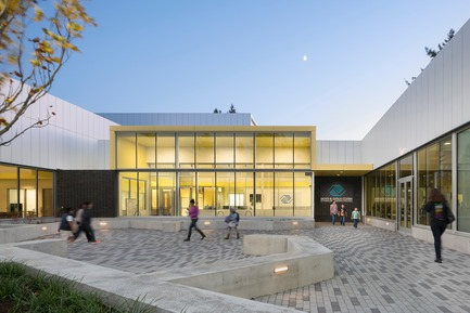 Dossier de presse | 2637-03 - Communiqué de presse | GRAY Magazine Announces the Winners of the 2018 GRAY Awards - GRAY Magazine - Competition - Rockwood Youth Campus by Holst Architecture - Crédit photo : Andrew Pogue