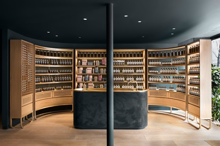 Press kit | 673-21 - Press release | 12th GRANDS PRIX DU DESIGN Awards Winners Announced - Agence PID - Competition - Prix espace commercial de 1 600 pi2 ou moins	<br>AESOP PETITE-BOURGOGNE	<br>Alain Carle Architecte - Photo credit: AESOP
