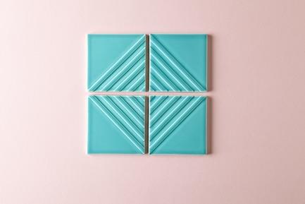 Dossier de presse | 3895-01 - Communiqué de presse | Signal Tile - Kristine Morich X Clayhaus Modern Tile - Produit -  Signal Tile | Kristine Morich X Clayhaus Modern Tile | Bias Pattern02  - Crédit photo : Ian Stout