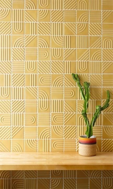 Dossier de presse | 3895-01 - Communiqué de presse | Signal Tile - Kristine Morich X Clayhaus Modern Tile - Produit - Signal Tile | Kristine Morich X Clayhaus Modern Tile | Combination Pattern Lifestyle | Lo-res - Crédit photo : Ian Stout
