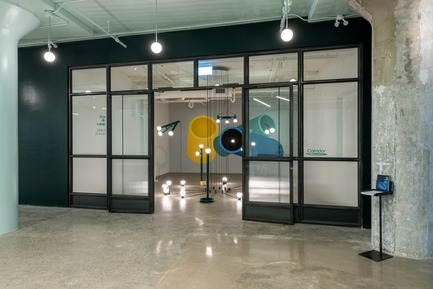 Dossier de presse | 1619-06 - Communiqué de presse | Corridor: Lambert & Fils's New Gallery - Lambert & Fils - Event + Exhibition - Crédit photo : Arseni Khamzin