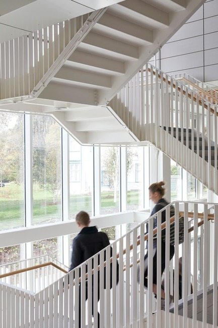 Press kit | 2317-05 - Press release | Step Change in Building Design for the University of Nottingham - Make Architects - Institutional Architecture - Light filled spaces overlooking the park  - Photo credit: Make Architects