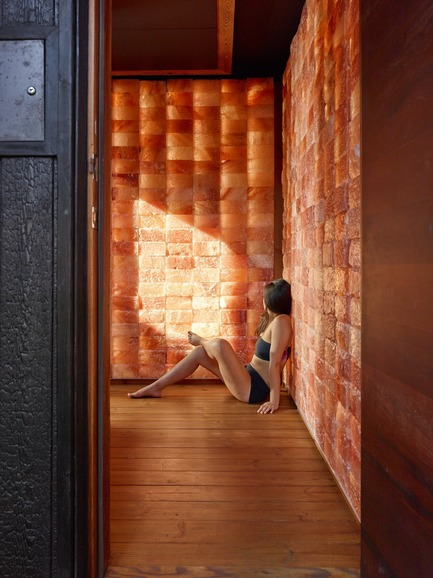 Press kit | 2000-01 - Press release | The WelPod - Circle Wellness Studios - Lifestyle - Exterior WelPod in Vancouver BC offers&nbsp;a private spa&nbsp;circuit reserved&nbsp;through Airbnb for travellers&nbsp;and&nbsp;locals - Photo credit: Martin Knowles&nbsp;<br><br>