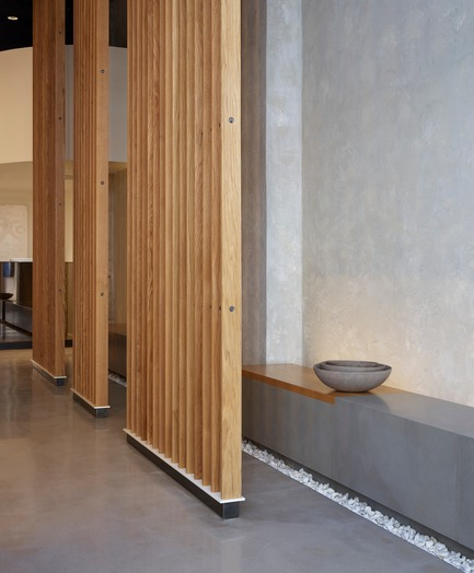 Dossier de presse | 2757-08 - Communiqué de presse | Montalba Architects' Studio Dental IIWins 2019 AIA Institute Honor Award for Interior Architecture - Montalba Architects - Commercial Architecture - The patient bench and trellis offer both a sense of calm and privacy.  - Crédit photo : Kevin Scott