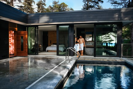 Dossier de presse | 2000-01 - Communiqué de presse | The WelPod - Circle Wellness Studios - Lifestyle - Interior WelPod located in open air near the centre of a private waterfront residence in Tofino - Crédit photo : Darcy Turenne