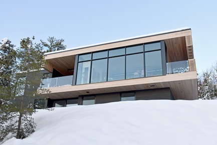 Press kit | 2263-03 - Press release | Résidence Le Nid : surplomb sur le fleuve Saint-Laurent - Anne Carrier architecture - Residential Architecture - Photo credit: Anne Carrier architecture