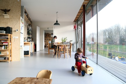 Dossier de presse | 3293-02 - Communiqué de presse | Oosterwold Co-living Complex - bureau SLA & Zakenmaker - Residential Architecture - Each interior is different  - Crédit photo : Sanne Schouwink
