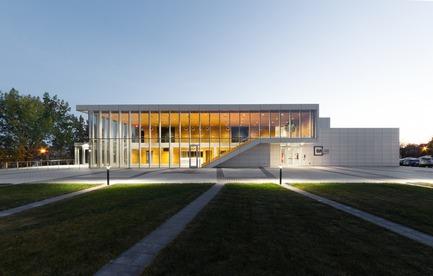 Press kit | 774-10 - Press release | L'Ordre des architectes du Québec dévoile les gagnants de ses Prix d'excellence en architecture 2019 - Ordre des architectes du Québec (OAQ) - Concours - Quai5160_MaisondelaculturedeVerdun_FABG - Photo credit: Steve Montpetit