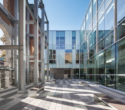 Dossier de presse | 774-10 - Communiqué de presse | L'Ordre des architectes du Québec dévoile les gagnants de ses Prix d'excellence en architecture 2019 - Ordre des architectes du Québec (OAQ) - Concours - EcoleBaril_BBBL - Crédit photo : Stéphane Brügger