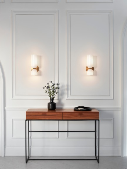 Press kit | 1665-03 - Press release | Lightmaker Studio Reimagines the Wall Sconce at ICFF 2019 in New York City - Lightmaker Studio - Lighting Design - Edie Sconce - Photo credit: Lisa Petrole