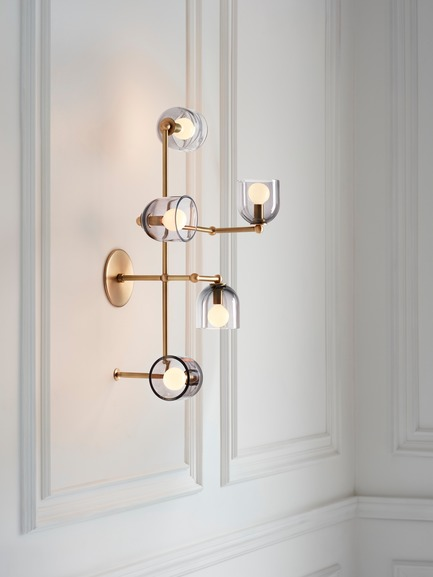 Dossier de presse | 1665-03 - Communiqué de presse | Lightmaker Studio Reimagines the Wall Sconce at ICFF 2019 in New York City - Lightmaker Studio - Design d'éclairage - Parallel  - Crédit photo : Lisa Petrole