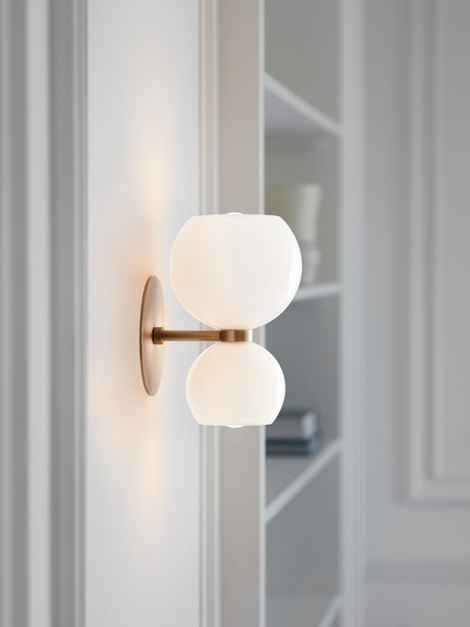 Dossier de presse | 1665-03 - Communiqué de presse | Lightmaker Studio Reimagines the Wall Sconce at ICFF 2019 in New York City - Lightmaker Studio - Lighting Design - Betty - Crédit photo : Lisa Petrole