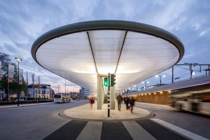 Press kit | 3571-01 - Press release | cepezed designs first self-sufficient bus station in The Netherlands - cepezed - Urban Design - Photo credit: cepezed | Lucas van der Wee