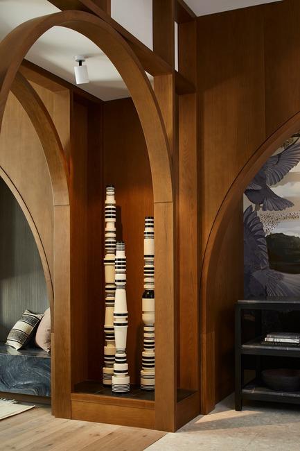 Press kit | 2718-02 - Press release | Kimpton Saint George Hotel - Mason Studio - Commercial Interior Design -    Hotel lobby living room featuring sculpture by Toronto-based artist    - Photo credit: Naomi Finlay