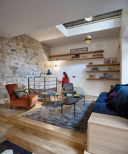 Press kit | 3894-01 - Press release | A Single Family House in Paris - Alia Bengana + Capucine de Cointet architectes - Residential Architecture - Living room and access to the basement - Photo credit: David Cousin-Marsy