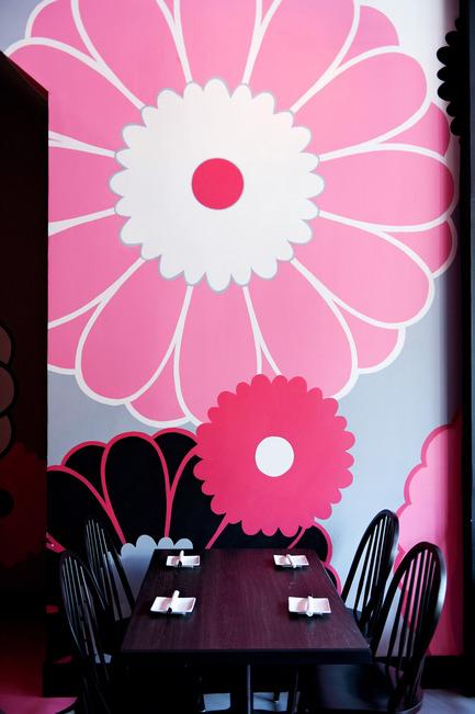 Dossier de presse | 760-05 - Communiqué de presse | A sense of excessBistro japonais Kinoya - Jean de Lessard, Designers Créatifs - Commercial Interior Design - Crédit photo : M David Giral