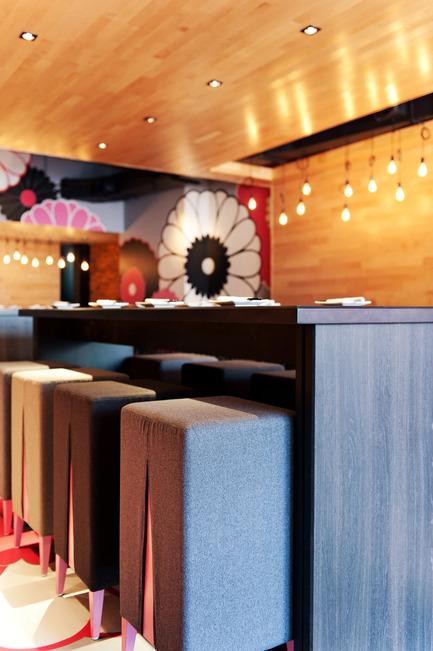 Press kit | 760-05 - Press release | A sense of excessBistro japonais Kinoya - Jean de Lessard, Designers Créatifs - Commercial Interior Design - Photo credit: M David Giral