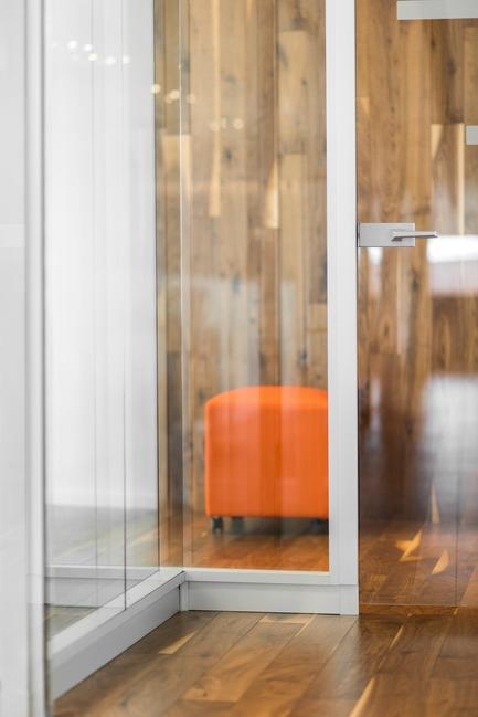 Dossier de presse | 1536-03 - Communiqué de presse | Gravel², bureau d'avocats - Luc Plante architecture + design - Design d'intérieur commercial - Gravel², bureau d'avocats par Luc Plante architecture + design - Crédit photo : Boyer média