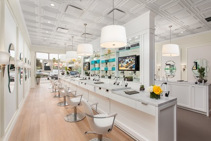 Press kit | 3944-01 - Press release | Drybar: Branding with Style - Ceilume - Commercial Interior Design -         The look, intended to evoke a bar-like social venue instead of a traditional hair salon, blends elements of traditional and contemporary design. - Photo credit:         Heitler Houstoun Architects / © Clark Dugger Photography