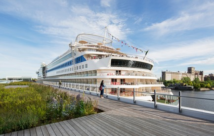 Press kit | 952-27 - Press release | The Port of Montreal's Grand Quay: a new cruise terminal and a promenade on the green esplanade - Provencher_Roy - Urban Design - The cruise terminal and a promenade on the green esplanade  - Photo credit: Stéphane Brügger