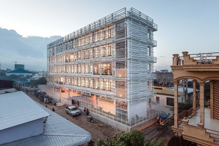 Press kit | 809-28 - Press release | Announcing the Winners of the 2019 AZ Awards - AZURE - Competition - Social Good Winner:<br><br>COOKFOX Architects (U.S.): Neeson Cripps Academy, Phnom Penh, Cambodia<br> - Photo credit: AZURE