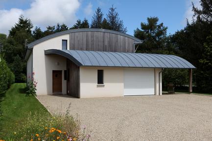 Dossier de presse | 949-02 - Communiqué de presse | Une maison bioclimatique à Pluvigner en Bretagne - Patrice Bideau - Architecture résidentielle - Crédit photo : Armel Istin