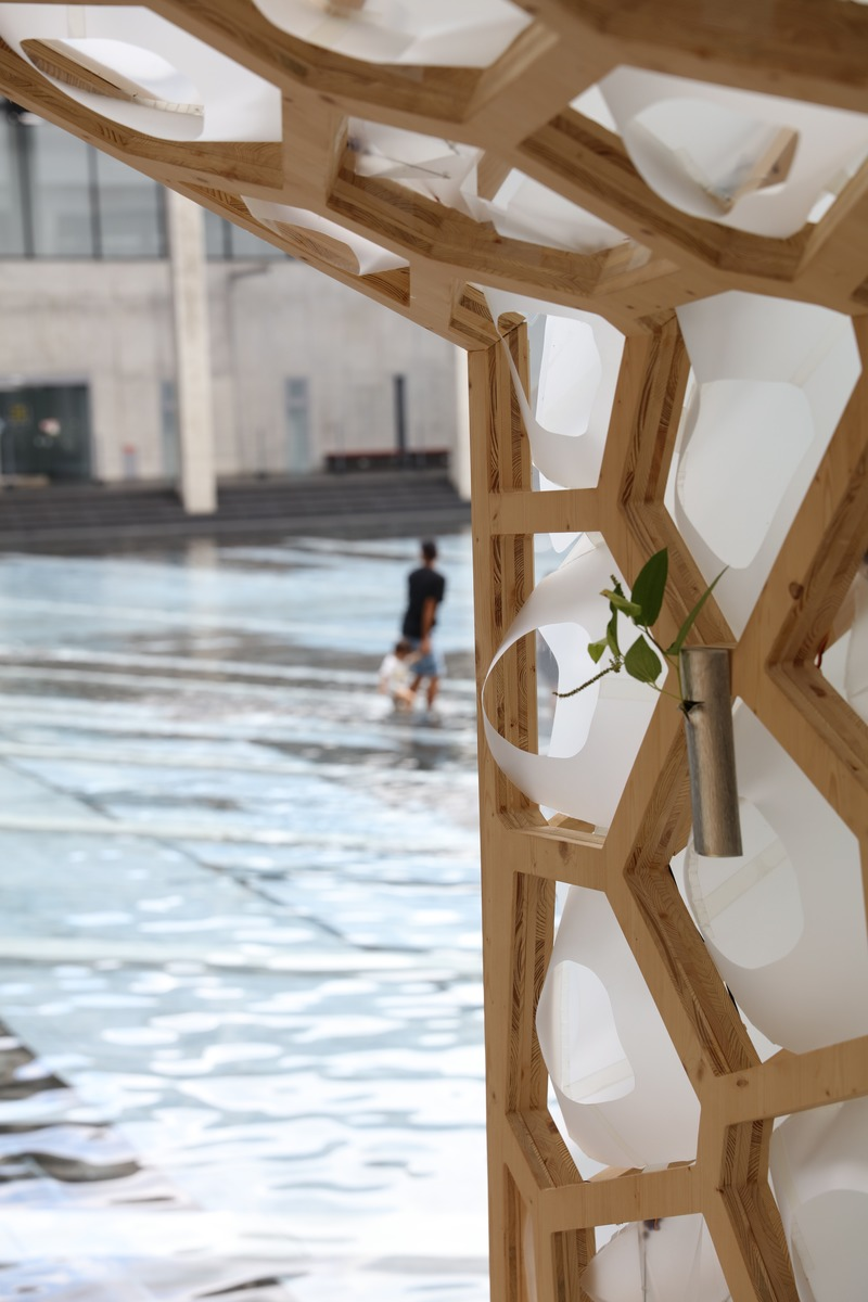 Press kit | 875-04 - Press release | Award-Winning Project:Porous Manifold as a Japanese Tearoom - Ryumei Fujiki + Yukiko Sato / F.A.D.S + Fujiki Studio, KOU::ARC - Event + Exhibition - Flower and Water - Photo credit: Masahiro Hoshida