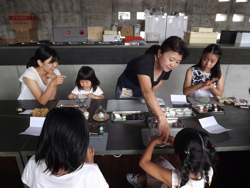 Press kit | 875-04 - Press release | Award-Winning Project:Porous Manifold as a Japanese Tearoom - Ryumei Fujiki + Yukiko Sato / F.A.D.S + Fujiki Studio, KOU::ARC - Event + Exhibition - Workshop on How to Make Japanese Sweets for Children by Yukiko Sato - Photo credit: Fujiki Studio