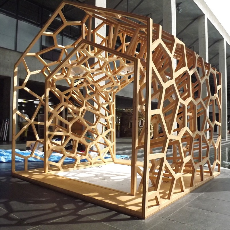 Press kit | 875-04 - Press release | Award-Winning Project:Porous Manifold as a Japanese Tearoom - Ryumei Fujiki + Yukiko Sato / F.A.D.S + Fujiki Studio, KOU::ARC - Event + Exhibition - Skeleton of Voronoi Geometry - Photo credit: Fujiki Studio