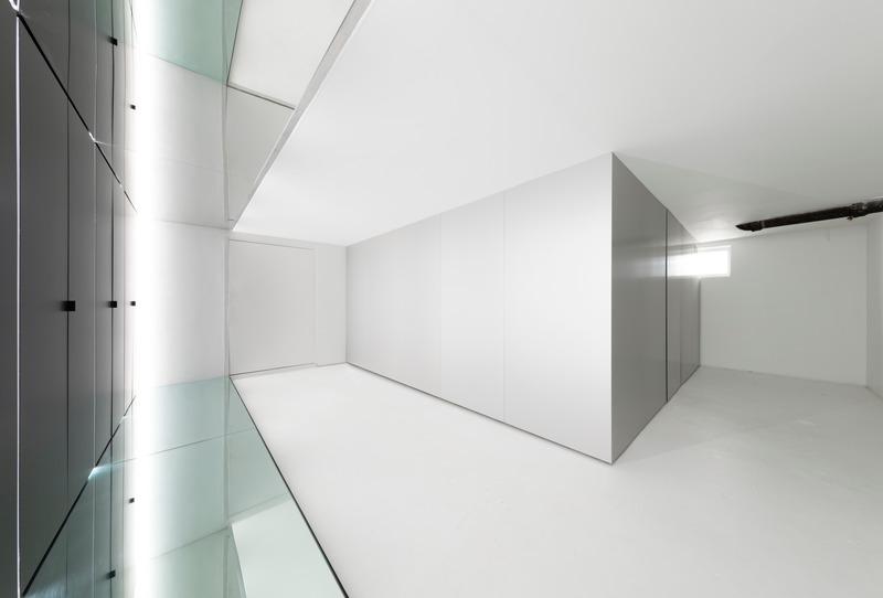 Dossier de presse | 937-02 - Communiqué de presse | Immeubles infinis : bâtiments dans un bâtiment - Jean-Maxime Labrecque Architecte - Art - <p>Immeuble infini 1</p><p>et pièce carrée</p> - Crédit photo : Frédéric Bouchard
