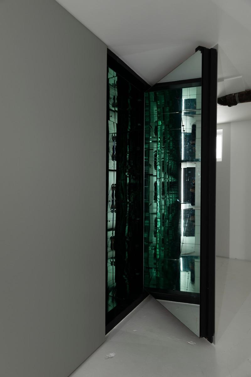 Dossier de presse | 937-02 - Communiqué de presse | Immeubles infinis : bâtiments dans un bâtiment - Jean-Maxime Labrecque Architecte - Art - <p>Immeuble infini 2</p><p>Accès</p> - Crédit photo : Frédéric Bouchard