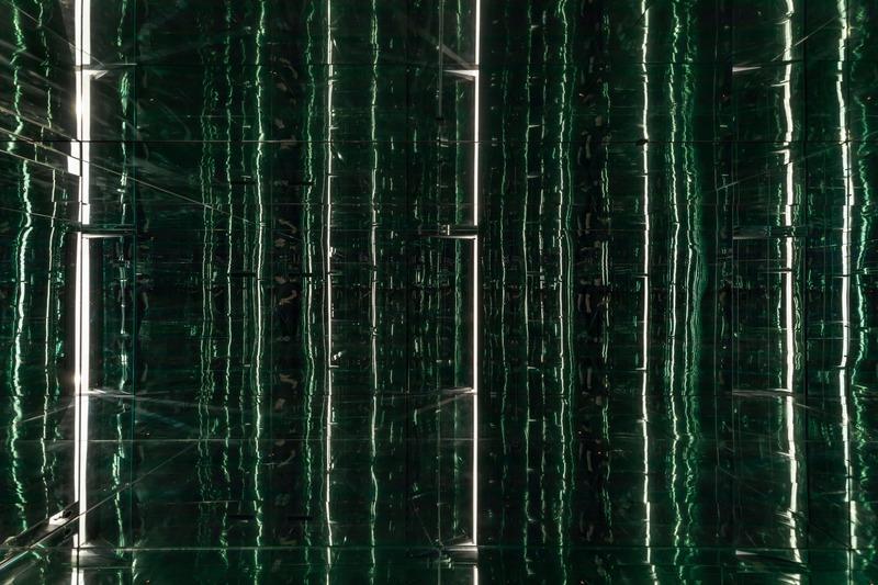Dossier de presse | 937-02 - Communiqué de presse | Immeubles infinis : bâtiments dans un bâtiment - Jean-Maxime Labrecque Architecte - Art - <p>Immeuble infini 2</p><p>Ouverture graduelle de la porte</p> - Crédit photo : Frédéric Bouchard