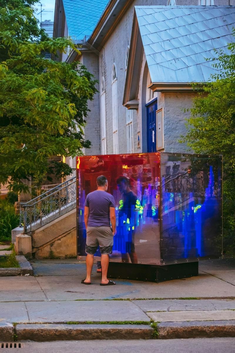 Dossier de presse | 2402-03 - Communiqué de presse | Passages Insolites 6e édition - EXMURO arts publics - Art - Cube spatial - Marie-Eve Martel (Blainville) - Crédit photo : Stéphane Bourgeois