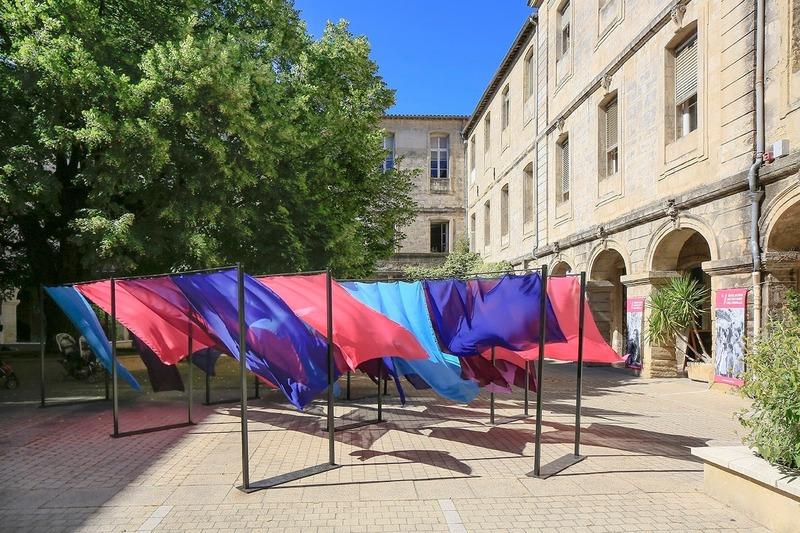 Dossier de presse | 982-44 - Communiqué de presse | Festival des Architectures Vives 2019 - La Beauté - Association Champ Libre - Design urbain - <p>Éducation Artistique et Culturelle : Rectorat-ENSAM-FAV</p><p> Ecole Jeanne d'Arc, Classe de CM1/CM2 +<br>ENSAM : GADOIS Florent - PICHON Charles - PROUVE Margaux<br>Installation : On dirait le Sud</p> - Crédit photo : ©photoarchitecture ©FestivaldesArchitecturesVives