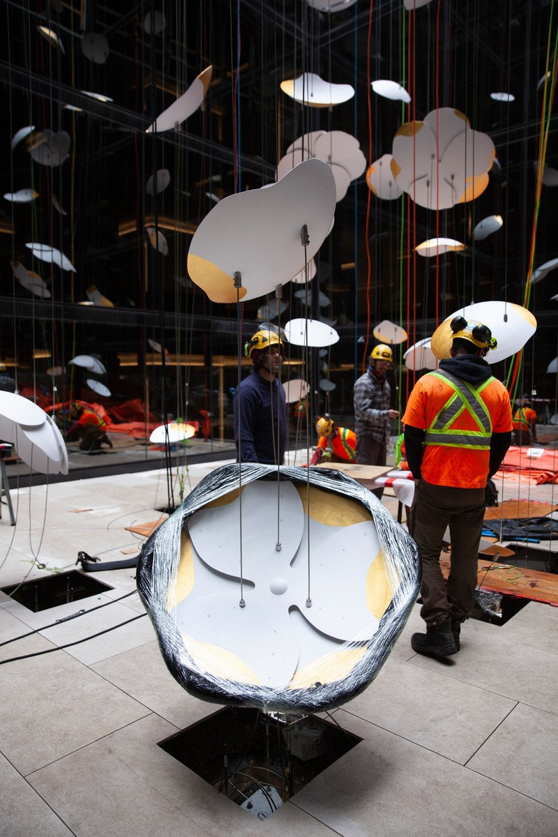 Press kit | 1082-04 - Press release | Pascale Girardin debuts site-specific sculpture for the Four Seasons Hotel Montreal - Pascale Girardin - Art - A view of the installation from the atrium floor.<br> - Photo credit: Stephany Hildebrand