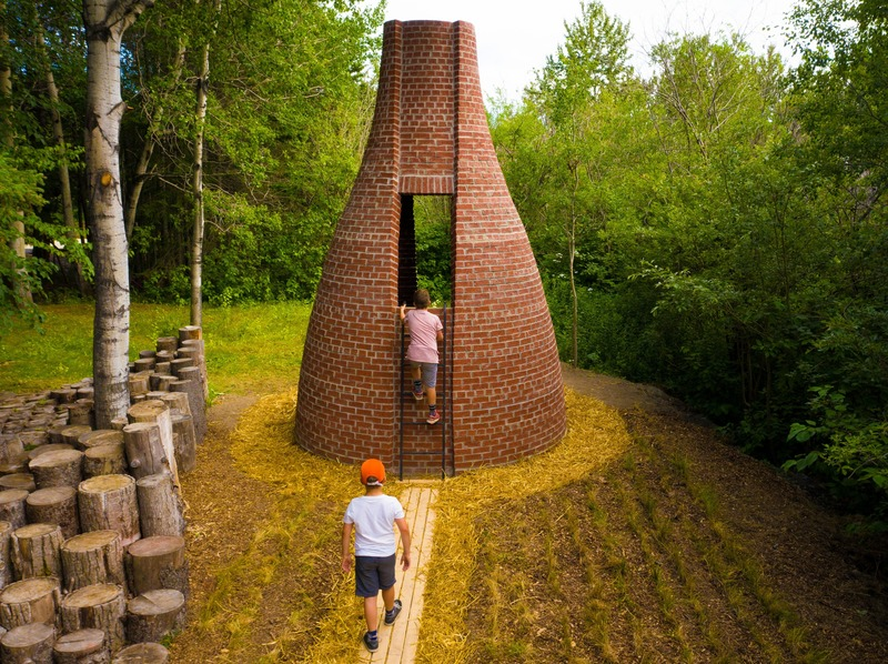 Press kit | 837-33 - Press release | The International Garden Festival Celebrates its 20th Edition - Playgrounds - International Garden Festival / Reford Gardens - Landscape Architecture - Le dernier petit cochon<br>APPAREIL Architecture<br>– Montréal (Québec) Canada - Photo credit: Martin Bond