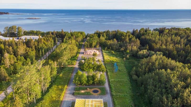 Press kit | 837-33 - Press release | The International Garden Festival Celebrates its 20th Edition - Playgrounds - International Garden Festival / Reford Gardens - Landscape Architecture - Reford Gardens - view of Saint Lawrence river - Photo credit: Jean-Christophe Lemay