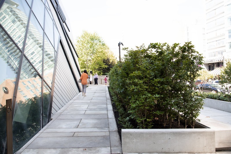 Press kit | 907-09 - Press release | ROM Welcome Project - Hariri Pontarini Architects - Institutional Architecture - The Reed Family Plaza. - Photo credit: Hariri Pontarini Architects