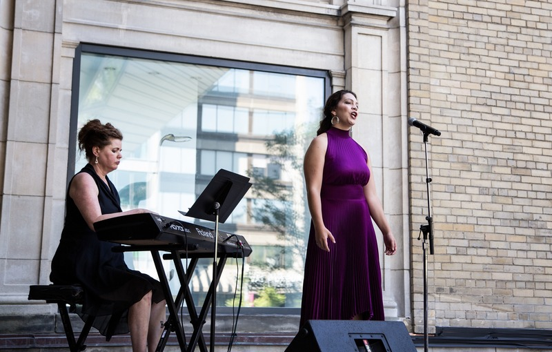 Press kit | 907-09 - Press release | ROM Welcome Project - Hariri Pontarini Architects - Institutional Architecture - Jennifer Routhier performs onstage at the Helga and Mike Schmidt Performance Terrace. - Photo credit:  Hariri Pontarini Architects